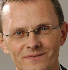 Andris VILKS, Ministre des Finances, Lettonie, Economic Ideas 2013 Andris VILKS est né en 1953. Il a étudié la gestion et le marketing au Nordisk Landboskole, Odense (Danemark). Élu au Parlement, il a été nommé ministre des Finances en novembre 2012.