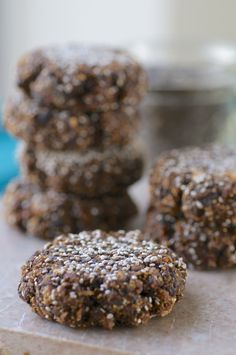 The easiest 3 ingredient cookie you need in your healthy snack arsenal! These raw vegan cookies made with figs and chia seeds are sweet, simple, and HCLF. Fig Recipes, Raw Food Recipes, Sweet Recipes, Snack Recipes, Healthy Recipes, Healthy Options, Recipies, Dessert Recipes, Raw Desserts