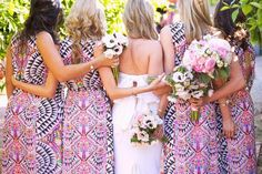 Afraid to put your bridesmaids in a pattern? These pics will convince you it's a gorgeous do