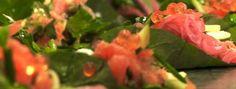 Une recette de canapés de truite fumée aux pommes et au caviar de saumon présentée sur Zeste et Zeste.tv.