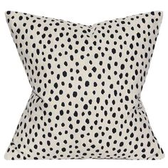 Shop decorative pillows at Chairish, the design lover's marketplace for the best vintage and used furniture, decor and art. Diy Pillow Covers, Decorative Pillow Covers, Kate Spade, Leopard Animal, Printed Linen, Fauna, Linen Pillows, Designer Pillow, Models