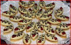 Vánoční cukroví :: Jiříkova kuchařka Christmas Kitchen, Christmas Baking, Czech Recipes, Good Mood, Cheesecake, Muffin, Sweet Tooth, Birthday Cake, Cookies
