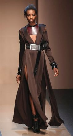 A model wears a creation for gianfranco ferre' women's fall- Inspiration Mode, Character Design Inspiration, Fashion Inspiration, Space Fashion, Fashion Design, Mode Sombre, Mode Costume, Gianfranco Ferre, Ex Machina