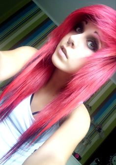 Image in Emo Girls collection by -=ReZ on We Heart It Emo Scene Hair, Emo Hair, Scene Bangs, Pretty Hairstyles, Scene Hairstyles, Updo Hairstyle, Wedding Hairstyles, Alternative Hair, Emo Girls