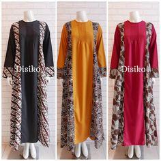 Gambar mungkin berisi: orang berdiri Batik Fashion, Ethnic Fashion, Women's Fashion, Brokat, Batik Dress, Kimono Top, Indian, Blazer, Model