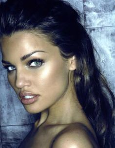 tan summer beauty - fresh eye make-up and neutral lips