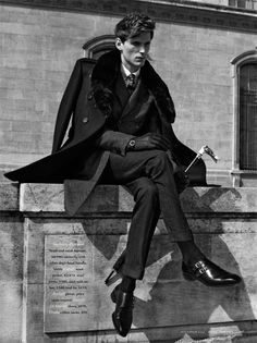 this is the most kaz brekker thing I've ever seen Art Reference, Male Suit, Fancy Umbrella, Black Umbrella, Sitting Poses, Man Sitting, Dandy Style, Dandy Look, Hipster Suit