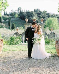 WEDDING PHOTOGRAPHERS IN ITALY в Instagram: «Stunning Andrea and Patrick in Florence ✨ planner @giuliaalessandri photo @kirandiraphotography flowers…» Florence, Photographers, Italy, Wedding Dresses, Flowers, Instagram, Fashion, Bride Dresses, Moda