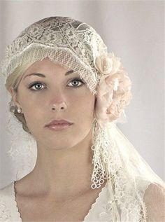cute 1920's inspired wedding veil