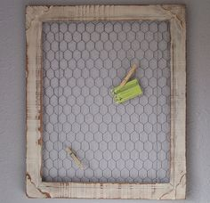 DIY PROJECT – CHICKEN WIRE FRAME – DECORATING ON A BUDGET