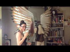 "Articulating Cosplay Wings Tutorial -- Very similar to the ""swing-arm lamp"" method I've been thinking about doing. Cosplay Wings, Cosplay Armor, Cosplay Diy, Cosplay Outfits, Cosplay Ideas, Diy Costumes, Cosplay Costumes, Halloween Costumes, Costume Ideas"