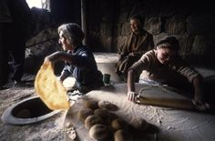 ‎'Women baking in the traditional way - Armenia' photo Ian Berry, 2000  #Expo2015 #Milano #WorldsFair