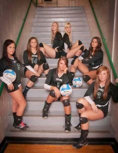 Sports and Exercise Sport photography team volleyball Ideas – How to Take a Photo What are the T… Volleyball Training, Volleyball Team Pictures, Coaching Volleyball, Basketball Pictures, Sports Pictures, Senior Pictures, Softball Photos, Volleyball Mom, Fitness Women