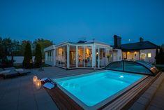 Kvällsbelyst poolmiljö när den är som bäst - på Tvärvägen 4 i Söndrum, Halmstad Inlägg: Drömmer du om en pool?