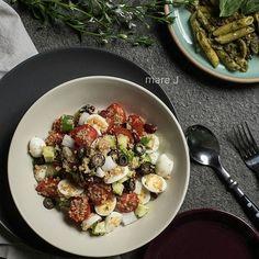 Cook with Campbells. Tomato and Mozzarella Pesto Pasta Salad Side Recipes, New Recipes, Salad Recipes, Cooking Recipes, Favorite Recipes, Healthy Recipes, Healthy Salads, Pasta Recipes, Healthy Food