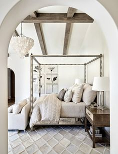 Room Vine Decor Neutral Bedroom Ideas - Textiles Wooden Beams and White Walls make this bedroom natural and luxurious.Room Vine Decor Neutral Bedroom Ideas - Textiles Wooden Beams and White Walls make this bedroom natural and luxurious. Serene Bedroom, Beautiful Bedrooms, Modern Bedroom, 60s Bedroom, Warm Bedroom, Bedroom Black, Trendy Bedroom, European Bedroom, Contemporary Bedroom Decor