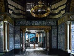Hidden London: Leighton House Museum - The Luxe Edition The best places to see and visit in London London Tours, London Museums, London Places, London Travel, Hidden Places, Places To See, Secret Places, Leighton House Museum, Art Nouveau