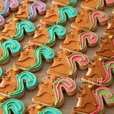 Baked animal cookies with sugar cookies recipe and decorate them with royal icing, both pipe and flood method. Hedgehog, squirrel, snail cookies. - Page 2 of 2