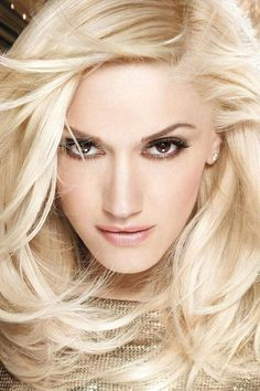 Gwen Stefani in a Loreal hair ad with ash blonde hair. Gwen And Blake, Gwen Stefani And Blake, Pelo Color Ceniza, Color Del Pelo, Loreal Hair, Ash Blonde Hair, Platinum Blonde, Natural Blondes, L'oréal Paris