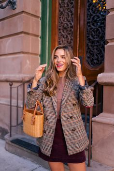 maroon skirt and a plaid button up jacket and nude blouse. Visit Daily Dress Me Preppy Mode, Preppy Style, My Style, London Outfit, Fall Winter Outfits, Autumn Winter Fashion, Fall Fashion, Mens Winter, Winter Wear