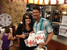 B*TCH! Post image for Look: Sarah Palin Visits Fast Food Chicken Giant: 'Love Me Some Chick Fil-A'