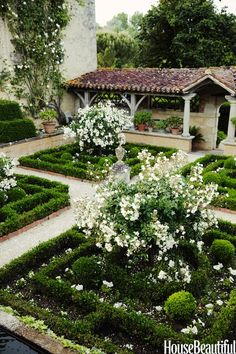 These Breathtaking Backyards Are Better Than Paradise French Garden: In William Christie's French countryside estate, the Cloister Garden features the classic rose Katharina Zeimet. Formal Gardens, Outdoor Gardens, Beautiful Gardens, Beautiful Homes, House Beautiful, Beautiful Beautiful, Beautiful Flowers, Boxwood Garden, Evergreen Garden