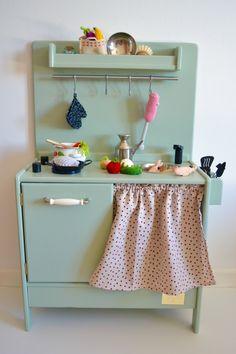 Wooden toy kitchen #woodentoy #woodenkitchen #macarenabilbao