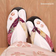 Japanese Embroidery Kimono Tabi and Zori Japanese Geisha, Japanese Kimono, Japanese Embroidery, Sashiko Embroidery, Embroidery Patterns, Modern Gypsy, Korean Hanbok, Japanese Textiles, Japanese Outfits