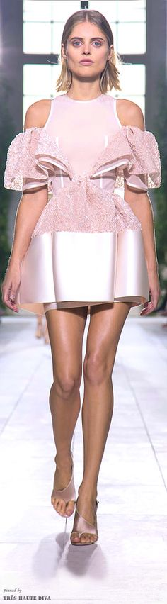 #Paris FW Balenciaga Spring / Summer 2014 RTW (The Fashion Show)