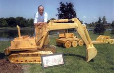 » A YARD FULL OF WOODEN CONSTRUCTION EQUIPMENT MODELS IN LARGE SCALE - Woodworking Crazy
