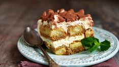 <i>This is a Door County Coffee Fan recipe. It was not made in the kitchens of the Door County Coffee Caf&eacute; Tiramisu Cheesecake, Tiramisu Dessert, Food Cakes, Creme Mascarpone, Cake Recipes, Dessert Recipes, Pudding Desserts, Coffee Recipes, Desert Recipes