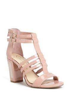 Love the chunky heel on this sandal!