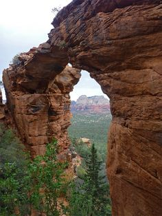 Devils Bridge, Sedona. One of the most popular short hike destinations in the area.