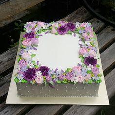 30 ideas for cake birthday flowers decoration polka dots Flores Buttercream, Buttercream Flower Cake, Pretty Cakes, Cute Cakes, Beautiful Cakes, Cake Decorating Techniques, Cake Decorating Tips, Pastel Rectangular, Wedding Sheet Cakes
