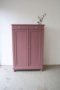 Vintage wardrobe for pink girls - Company Liquorice . Pink Furniture, Upcycled Furniture, Furniture Decor, Painted Furniture, Baby Room Design, Girl Bedroom Designs, Pink Bedroom For Girls, Design Apartment, Vintage Wardrobe