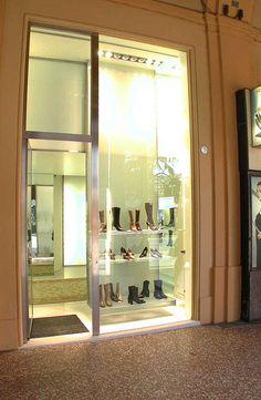 Princess in Via Indipendenza, progetto e realizzazione del 2000, 15 anni portati molto bene design by LAURO GHEDINI & PARTNERS