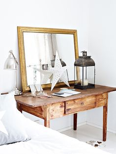 Bedside table desk...with mirror - for Ing