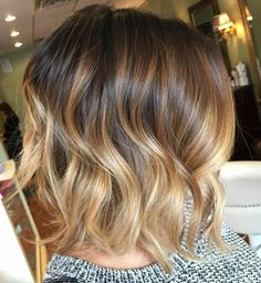 35 Balayage Hair Color Ideas for Brunettes in The French hair coloring tec. - - 35 Balayage Hair Color Ideas for Brunettes in The French hair coloring technique: Balayage. These 35 balayage hair color ideas for brunettes in . Balayage Hair Honey, Blonde Balayage Bob, Honey Hair, Hair Color Balayage, Balayage Highlights, Beige Highlights, Caramel Highlights, Balyage Bob, Auburn Balayage