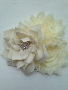 New to LaBellaRoseBoutique on Etsy: Ivory Lotus flower ivory shabby flowers on clip Baby toddler child teen women wedding flower girl family pictures photography prop cream (9.50 USD)