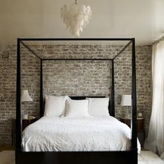 Mix and Chic: Contemporary and gorgeous four poster bed inspirations. Home Bedroom, Master Bedroom, Dream Bedroom, Bedroom Black, Master Suite, City Bedroom, Serene Bedroom, Pretty Bedroom, Bedroom Apartment