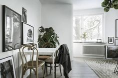 In a small space it can be a challenge to create separate areas for the different rooms. I like this solution where a window is placed in the bedroom wall, connecting to the kitchen. This way the ligh