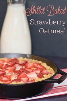 Skillet Baked Strawberry Oatmeal #SundaySupper #FLStrawberry @Flastrawberries