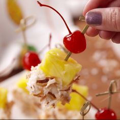 Boozy Piña Colada Kabobs Recipe - How to Make Alcoholic Piña Colada Kabobs One Bite Appetizers, Appetizers For Party, Appetizer Recipes, Dessert Recipes, Appetizers On Skewers, Tropical Appetizers, Tropical Party Foods, Toothpick Appetizers, Fruit Kabobs