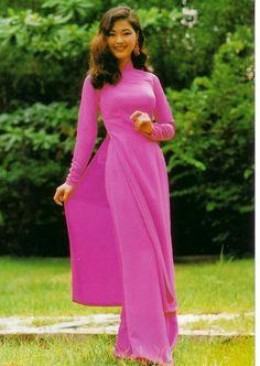 女性が最も美しくなれるといわれるアオザイをいくつか紹介します。