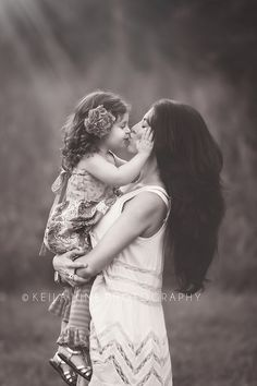 Mommy Love <3 I want to do a pic just like this with Sophia and Aubrey
