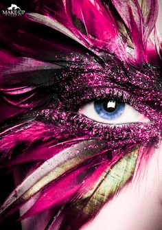 CLOSE UP PLUMES - MAKE-UPNATURAL Fashion Books, Close Up, Halloween Face Makeup, How To Make, Feathers