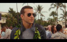 Ray-Ban 3025 Large Aviator Sunglasses - Aloha (2015) Movie Scene
