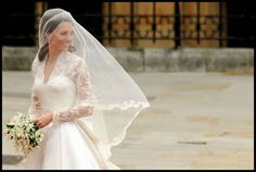 Didn't even realize the princess wore a drop veil; hmmm Good info on sizing at least ... tradewind Tiaras: Kate Middletons Silk Tulle Veil--True Elegance!