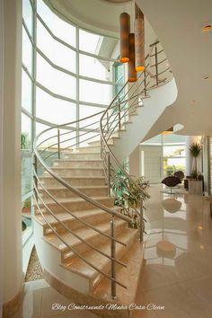 Construindo Minha Casa Clean: 30 Salas de Estar Decoradas com Escadas em Curva! Maravilhosas!