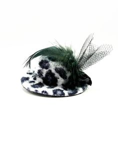 Okay, I have to have this for my dog!Mini Leopard Top Hat for Dogs - $6.00 : FashionCupcake, Designer Clothing, Accessories, and Gifts